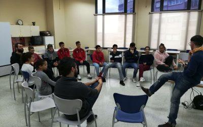 Joves de l'esplai El Tricicle reflexionen sobre la LGTBIfòbia